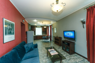 Kiev, Khreschatik 17,  2 Room Apartment