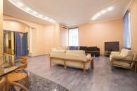 Lyuteranska 8 4 room Apartment in Kiev